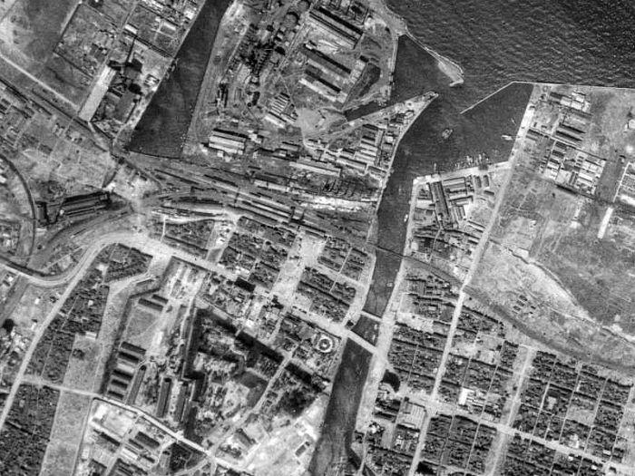 浅野町緑道の廃線跡を昔の航空写...